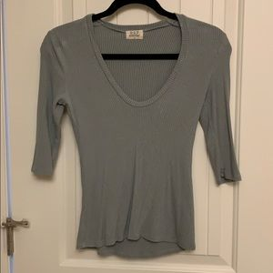 Quarter Length Sleeve Ribbed Top